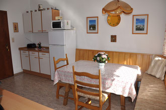 Kitchen with dining area - Apartment 1