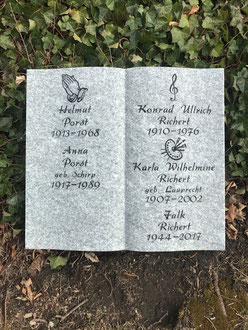 Grabmal Liegestein Grabplatte Granit Buch