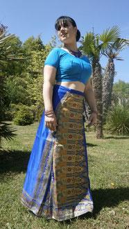 Jupe longue en soie de Bénarès bleue