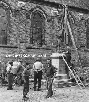 """""""Le Poilu"""" - Mise en place du monument de Plachy-Buyon en 1926"""