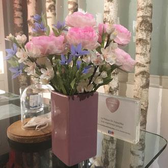 Composition floral en papier atelier de fleurs Parisien