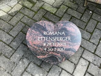 Grabmal Liegestein Granit Herz
