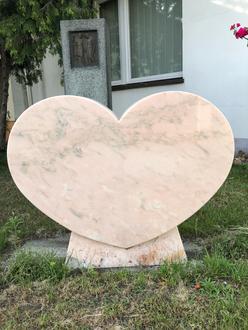 Grabmal / Grabstein Herz Estremoz Rose Marmor 80x12x65cm