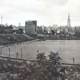 1938 Blick in den Parkinnenraum mit Rasenfläche und Einzelbaumbepflanzung; Quelle: mit frdl. Genehmigung von Herrn Stratenwerth
