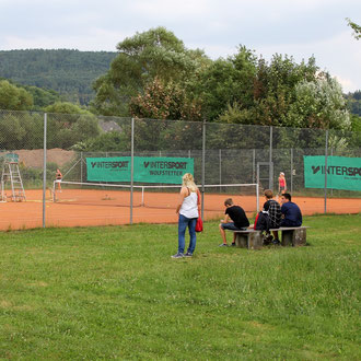 ach Tennis...
