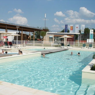 lot et bastides swimming-pool main basin and stairs