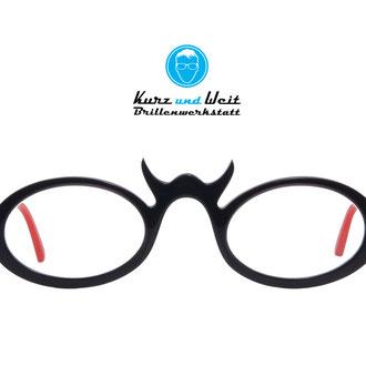 handgemachte brillenfassung / copyright by kurz & weit brillenwekstatt