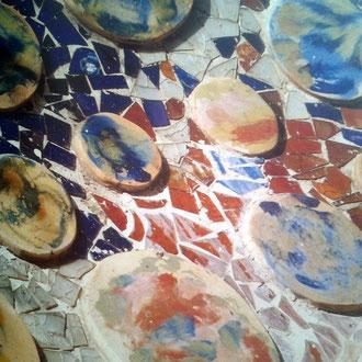 Toni Catany. Detall de la decoració de la façana de la Casa Batlló. Cases modernistes de Catalunya. 1991.