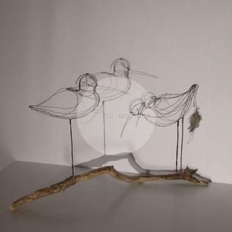 """ARC EN LUNE Fabienne Quenard Courlis cendré duo"""" en 3D sur branche bois flotté H.40xL.55xl.22cm branche 65cm"""