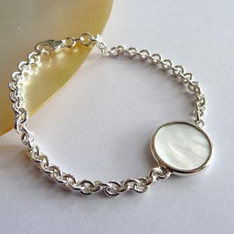 Anker-Bracelet in Silber 925 mit einem gefassten Perlmuttplättchen, CHF 250.-