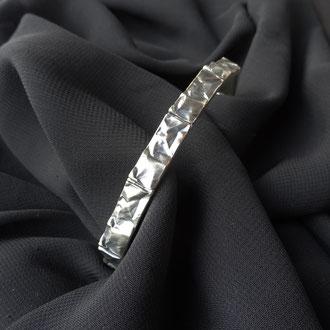 """Armband in Silber 925 geschwärzt mit """"Knittereffekt"""", Preis auf Anfrage"""