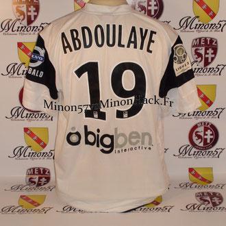 Maillots Porté par ABDOULAYE Face a AC Arles Avignon Saison 2011/2012