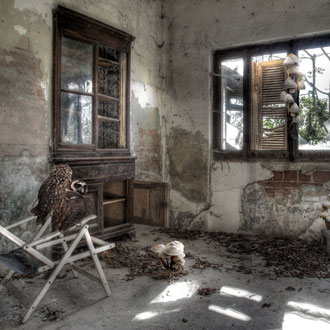 Stanza n. 3 (c'eravamo tanto amati) - Room no. 3 (we were loved so much) - Stampa Giclée su carta cotone Hahnemuhle, cm 50x75,  Ed. n° 7 + II p.a.
