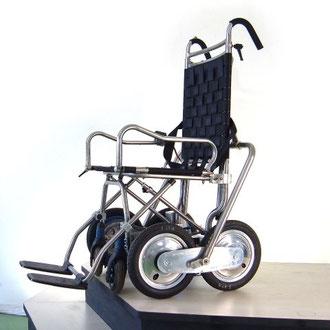 carrozzina montascale per disabili INVO 2 ed i gradini ..