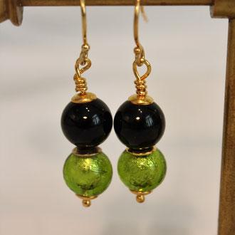 """Passend zur Onyxkette sind diese Ohrringe ein """" Must """" ! Silber vergoldete Elemente.   45,00 Euro"""