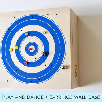 PLAY AND DANCE < EARRINGS AND JEWELS WALL CASE