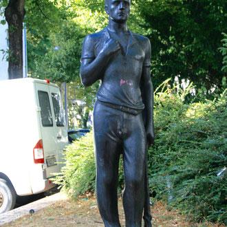 Arbeiter-Statue in der Riedfeldstraße