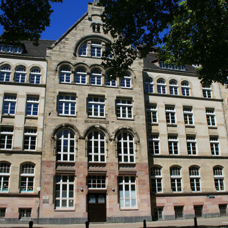 Humboldtschule in der Gartenfeldstraße 20-22