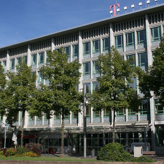 denkmalgeschütztes Geschäftshaus aus den 50er Jahren am Paradeplatz