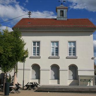 Rathaus Wallstadt in der Mosbacher Straße 17