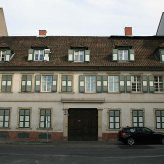 eines der älteren Wohnhäuser in den Quadraten (B5)