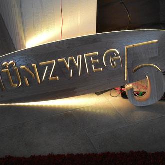 Straßenschild Münzweg / kreativ-fraesen