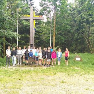 Gruppenbild am Gipfelkreuz