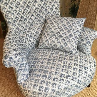 fauteuil anglais tapissé d'un tissu d'ameublement afux uni, tissu réversible