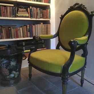 velours anis recouvrant un fauteuil Napoléon 3