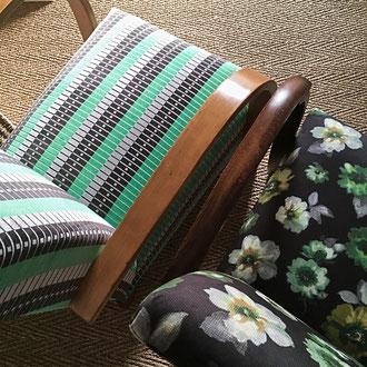 fauteuils art déco recouverts d'un velours graphique, velours fleurs, mat