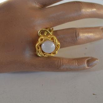 Ring aus Aludraht und einem Musterknopf. Design by Zeitzeugen-Manufactur, Unikat, Handarbeit. 3,90 €