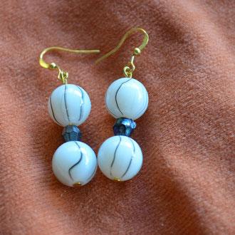 Modeschmuck Ohrhänger aus Muranoglas Perlen und alten Glas Perlen. Handarbeit und Design by Zeitzeugen-Manufactur. Preis: 3,50 €