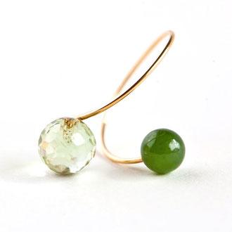 Flexibler Ring aus Gold Filled mit grünem Amethyst und Nephrit Jade