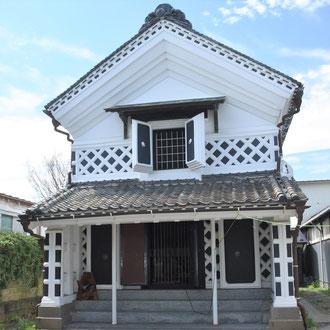 登米市登米町「みやぎの明治村」にある登録有形文化財「角田屋座敷蔵」。