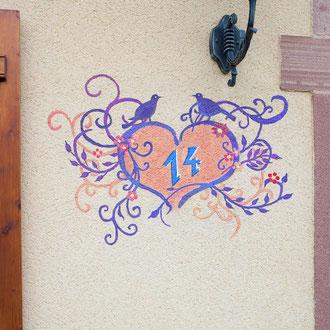 Ornement  pour un numéro de maison à Lusse - Copyright  Pascale Richert