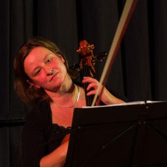 Magdalena Engel - Violoncello (Foto: Sylvia Pudel)