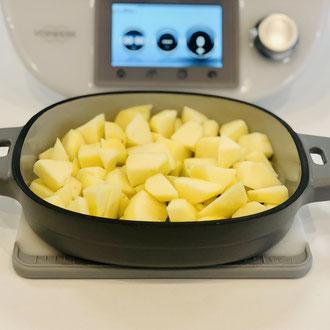 Emaillierter Gusseisener Baker 1 Liter von Pampered Chef mit Äpfeln füllen...