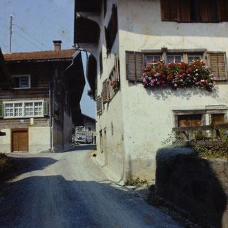 Dorfstrasse ungeteert