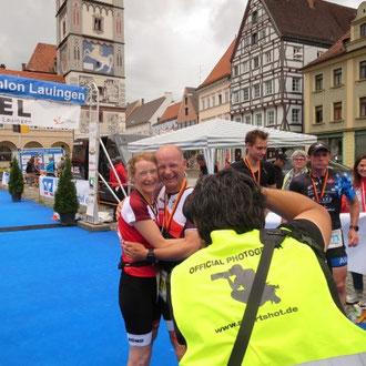 Daniela Fälschle und Thomas Brandner glücklich im Ziel