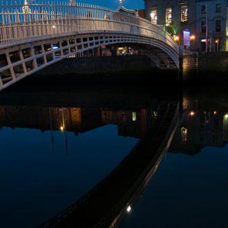 Dublin, Pont Ha'Penny enjambant la Liffey