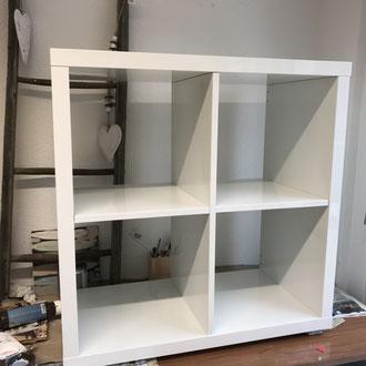 Vorher - Hochglanz weisses Ikea-Möbel