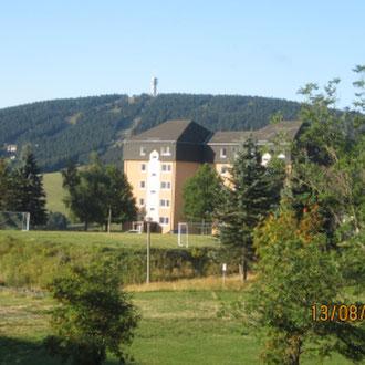 Blick auf das Familotel Elldus Resort, Oberwiesenthal, Erzgebirge, Sachsen