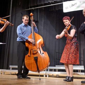 01. Mai 2013 mit der skandinavischen Folklore Gruppe Järvelän Pelimannit