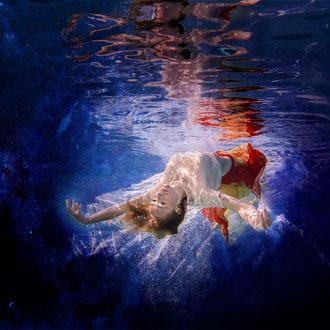 Modefotografie Unterwasser