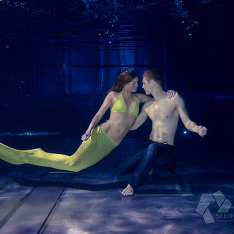 Paare Unterwasser