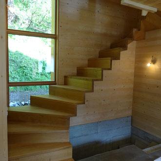 Treppe Eiche massiv modern