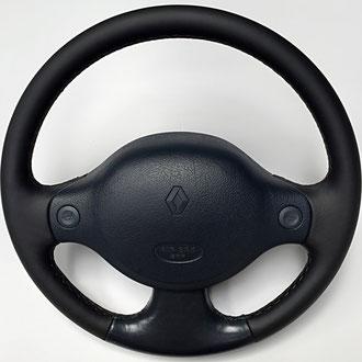 Volant Renault Clio 2 RS cuir nappa noir lisse et bleu d'origine, coutures grises, points losanges