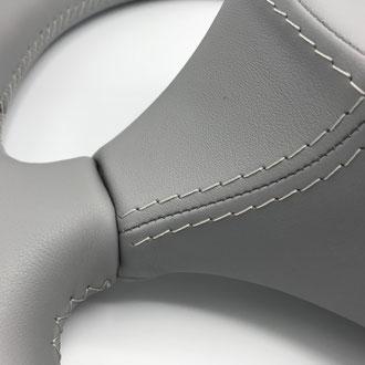 Volant Scania R cuir gris, surpiqures  grises