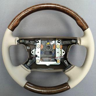 Volant Jaguar S Type cuir nappa beige, coutures beiges, points simples