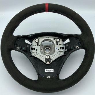 Volant BMW M4 Alcantara anthracite, point M, bande de rappel cuir nappa lisse rouge